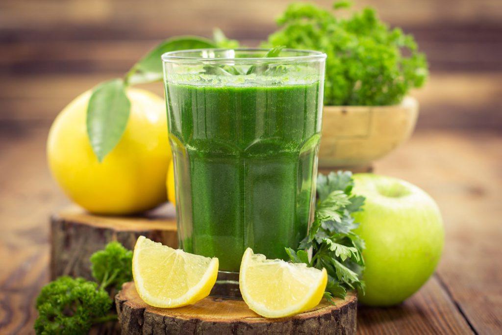 Jus vert avec fruits et légumes proposé par OfficeMed - Centre Médical Georges-Favon à Genève Plainpalais